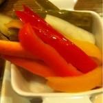 サルヴァトーレクオモ&バール - 彩り野菜のピクルス