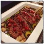第一ホテル東京 ロビーラウンジ - 鴨胸肉のロースト、フランボワーズ風味。 ここはカレーが美味い。
