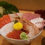 おいちゃん - 料理写真:海鮮丼 昼限定の新メニューです。