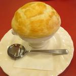 トラットリア イ・ルミナーレ - パイ包みのきのこスープ