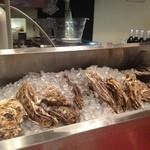 スパイラル - 牡蠣がズラリ