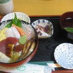 寿し処 平野屋 - 海鮮ちらし定食