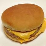 マクドナルド - ダブルチーズバーガー(320円)