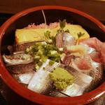 21502601 - 【20130926再々訪】光丼700円寿司ネタは、鯵・鰯・小肌・玉子・桜デンブ。
