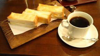 茶房 欅 - アメリカン珈琲¥600&タマゴトースト¥500