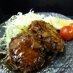 山陰旬華 新鮮組  - 自家製島根和牛のメンチカツ。こちらも料理長こだわりの逸品です。
