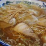 つづみそば - 2-1)ワンタン麺(中盛)