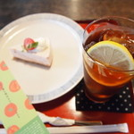21517914 - 俳句set アイスティー(lemon)とトマトチーズケーキ!