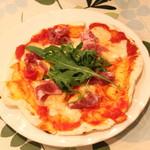 一汁三菜イタリア~の shark - プロシュート (イタリア産生ハム & ルーコラ & モッツアレラチーズ)