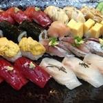 八幡鮨 - にぎり盛り込み