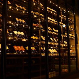 常時ワイン4000種類ストック!