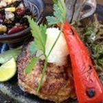 バードランドカフェ - 県産豚を使用したグリルや旬の食材を使用した野菜たっぷりのオリジナルチキンカレーなどご用意しております。