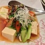 食堂 満八 - てびちと野菜の煮込み¥800