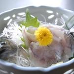 盛楽苑 - 地の食材 【岩魚のお造り】