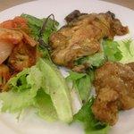 プシケパスタ倶楽部 - 「三種前菜」(480円)。味はボチボチですが480円なんでまあ。