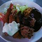洋食の店 南海 - 料理写真:Bランチ(ハンバーグ、海老フライ、トンカツ、鶏唐揚げ)