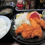 秋田食堂 - チキンカツ定食 600円