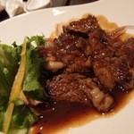 中国料理 桃翠 - 中華風リブステーキ。