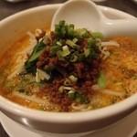 中国料理 桃翠 - ピリ辛担担麺。