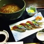21534399 - すだち蕎麦と秋刀魚の握り寿司のセット 880円