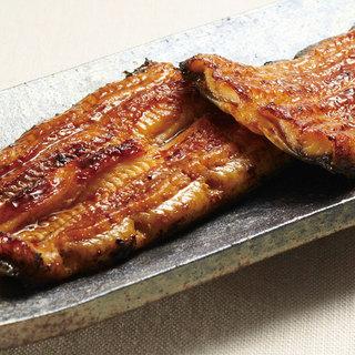 鰻職人の熟練された秘伝の味・うなぎの蒲焼き