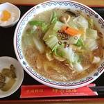 中国料理 輝楽飯店 - 海鮮刀削麺(醤油)¥950
