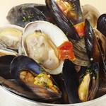 海の厨 膳丸 - 当店一押し!貝のギュウギュウワイン蒸し