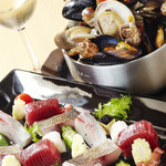 海の厨 膳丸 - 海の厨カルパッチョと名物「貝のギュウギュウワイン蒸し」が食せるプランの宴 飲み放題付き6000円プラン