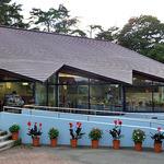 山麓館農場レストラン - 外観写真:窓が大きいです
