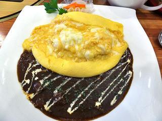 山麓館農場レストラン - 濃厚なデミグラスソース オムライス(リッチなとろけるチーズ入り)