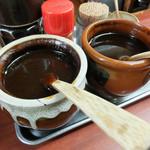 Tonkatsukaya - 辛口と甘口2種類のソース