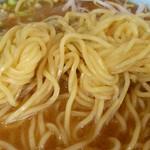 中華レストラン太郎 - 中華レストラン太郎 @中葛西 味噌ラーメンの中細縮れ麺