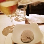 天香回味 - ブラックセサミのアイス
