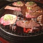 カルビ一丁 - ネギのせ牛タンと塩上ハラミ