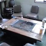 たばた食堂 - はちもり観光市:奥の炉端焼きコーナー【2013年9月撮影】