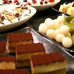 けゐとく苑 - ディナー充実スイーツ☆日替わり一口ケーキや和風デザートなど、食べきれないほどの品揃え。