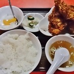 泰陽楼 - 若鶏の唐揚定食790円