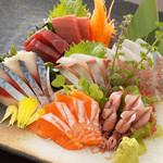 食彩 あばらや - おすすめ鮮魚はもちろん、毎朝市場に並ぶ季節の物にこだわっております