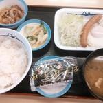 松屋 - 朝定ソーセージエッグ定食 390円