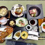 ホテル海山 - 料理写真:夕食(あらかじめセッティングされていた料理)
