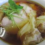 らぁ麺屋 飯田商店 - 1150えん 醤油チャーシューわんたん麺 2013.9中旬