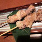 千年の宴 - 鶏もも串 塩