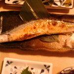居酒屋 かえる - 秋刀魚焼