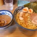 秋葉原つけ麺 油そば 楽 - 「濃厚鶏魚介味玉つけ麺」(850円)です