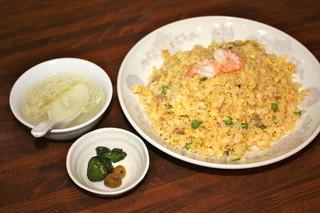 喜多八菜館 - 玉子スープと漬物付き