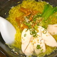 喜多八菜館-鶏塩ラーメン 630円