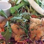 MOJA - お肉ランチプレート!こちらも野菜どっさり!