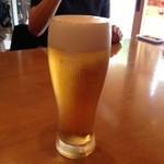 和食堂 たこ井 - 昼麦酒。キリンラガーの生でスタート。