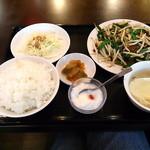 福龍飯店 - 料理写真:レバニラ定食