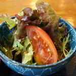中華飯店てんじく - サニーレタスとトマトのサラダ